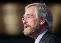 Economia frena, inflazione sotto controllo: Bce conferma bazooka