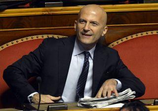 Minzolini salvato con i voti del PD. M5S: