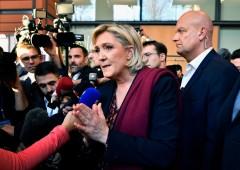 """Le Pen: """"Euro, un coltello piantato nelle nostre costole"""""""