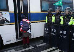 Corea: impeachment per presidente Park. Violenze in piazza
