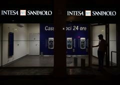 Stress test: Intesa Sanpaolo al top da 5 anni, ma è polemica su procedure