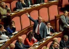 Affari Costituzionali, vittoria alfaniano apre crisi di governo