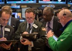 Borse giù: dati Cina spengono entusiasmo riforma fiscale Usa