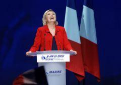 Le Pen: nessuna catastrofe se usciamo dall'euro