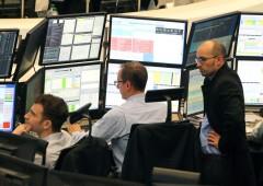Borse spente, euro scende da massimi di sei mesi