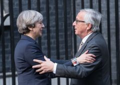 Brexit: May vede Juncker, Londra intrappolata nel backstop