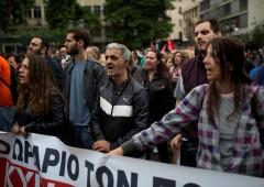 Grecia paralizzata da sciopero generale contro l'austerity: foto