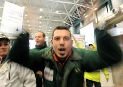 Giovani via dall'Italia: fuga cervelli ci costa 14 miliardi