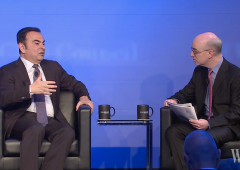 """Ceo Renault: """"governi devono garantire che globalizzazione continui"""""""