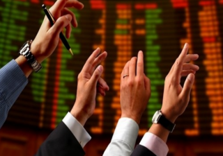 Tassi alti e volatilità fanno emergere le società che davvero valgono