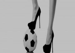 Un pallone: riflessione del momento, senza tempo