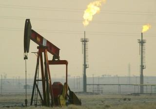 Petrolio: proseguono le vendite, fin dove possono arrivare i prezzi