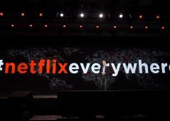 """Netflix fa il pieno di utenti, ma """"brucia liquidità a una velocità allarmante"""""""