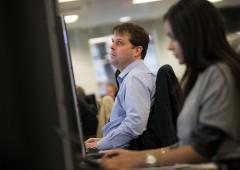 Dow Jones da record, ma Borse messe a dura prova in agosto