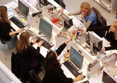 Stare meno seduti in ufficio permette di vivere due anni in più