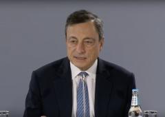 Bce danza su un filo, Draghi manda segnali da colomba