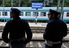 """Austria ci minaccia: """"Se concedete visti chiudiamo Brennero"""""""