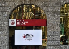 MPS, nuovi guai per la banca: i soci chiedono 800 milioni di danni