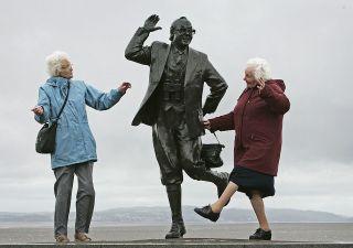 In pensione a 67 anni: governo e sindacati vogliono bloccare lo scatto