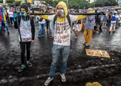 Caos Venezuela, petrolio sfonda $50 in vista di nuove sanzioni Usa
