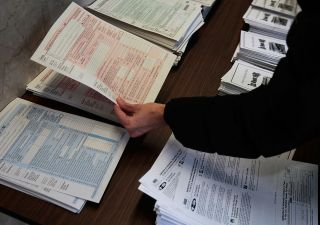 Rottamazione cartelle, 730 e altro: a luglio maxi ingorgo fiscale