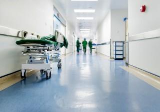 Allarme povertà sanitaria, in migliaia costretti a rinunciare alle cure