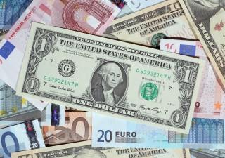 Dollaro perderà colpi contro l'euro: analisti rivedono quota 1,35