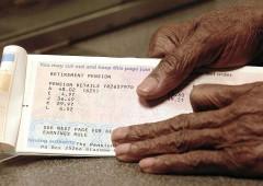 Pensioni a 67 anni dal 2021 anche senza automatismi, l'allarme della Ragioneria di Stato