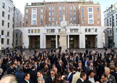 Piazza Affari: chi sale e chi scende per via del super euro