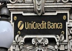 """Unicredit, Ubs: bene """"operazione Commerz"""", ma """"servirebbe aumento capitale"""""""