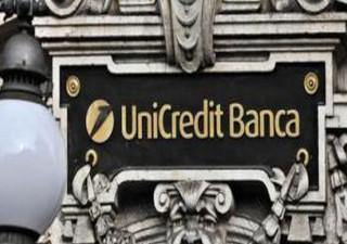 Unicredit alza dividendo e accelera cessioni Npl