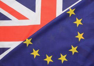 Alert Uk: rischio recessione anche con soft Brexit