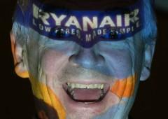 """Ryanair come l'Italia: """"sfruttamento e giovani in fuga"""""""