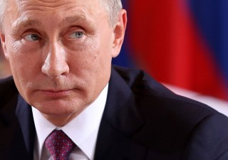 Putin vieta scambi in dollari Usa nei porti russi