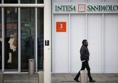 """Intesa San Paolo: """"non applicheremo tassi negativi ai conti correnti"""""""