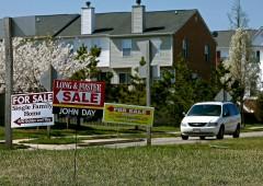 """Economisti: mercato immobiliare è """"malsano"""""""