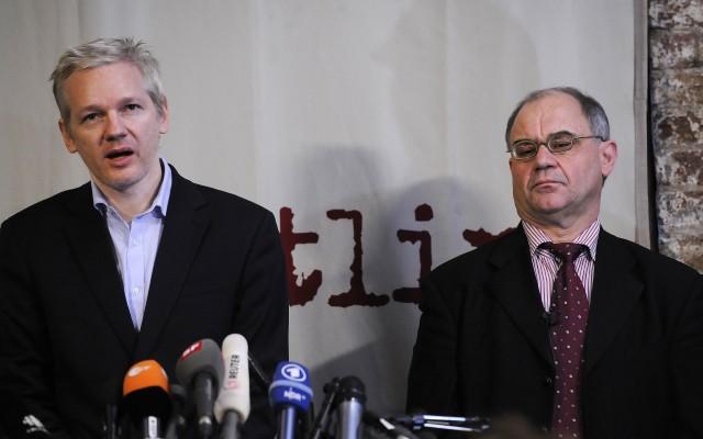 Assange e Elmer insieme a Londra