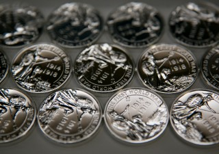 Metalli preziosi: cosa si nasconde dietro il rally. Prezzo argento al raddoppio