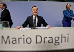 Bce, Draghi certifica fine di un'era: torna paura spread