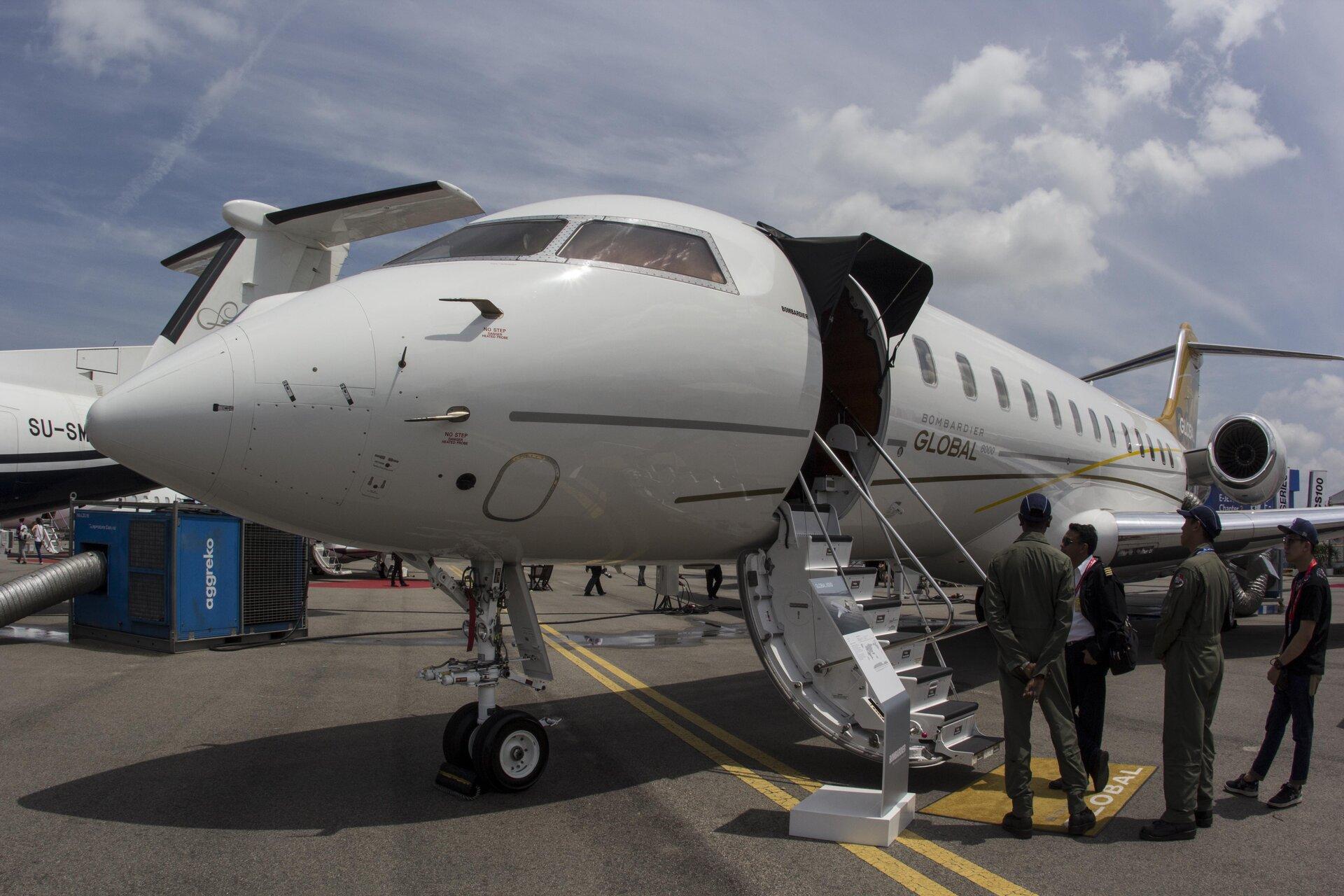 Aereo Privato Di Lusso : Bombardier global il jet privato di lusso più grande