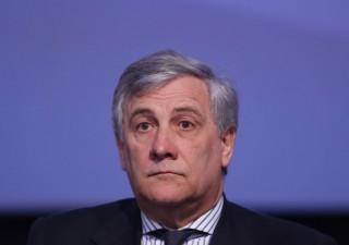 Npl: Tajani attacca Draghi e blinda banche italiane