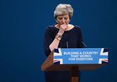 """Farage: """"May sottomessa all'UE, speranze Brexit saranno tradite"""""""