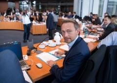 Borse, Nasdaq da record: euro debole su timori Germania