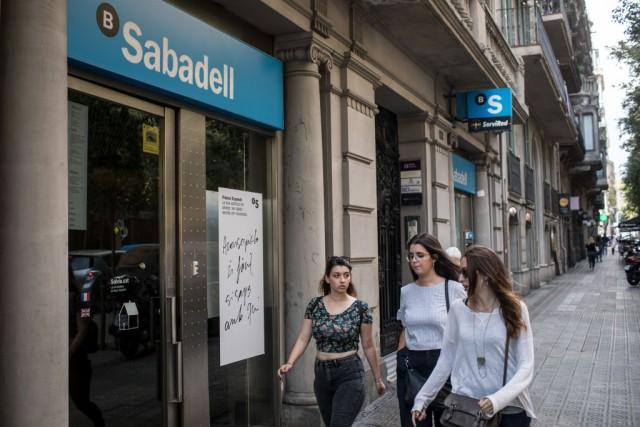 Catalogna: Banco Sabadell ha registrato tre miliardi di euro di depositi in meno in una settimana