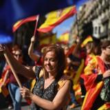Catalogna, unionisti manifestano a Barcellona in risposta al referendum controverso sull'indipendenza di una settimana prima (foto di Jeff J Mitchell/Getty Images)