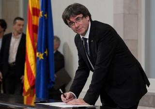 Catalogna sfida governo di Spagna, che prepara opzione nucleare