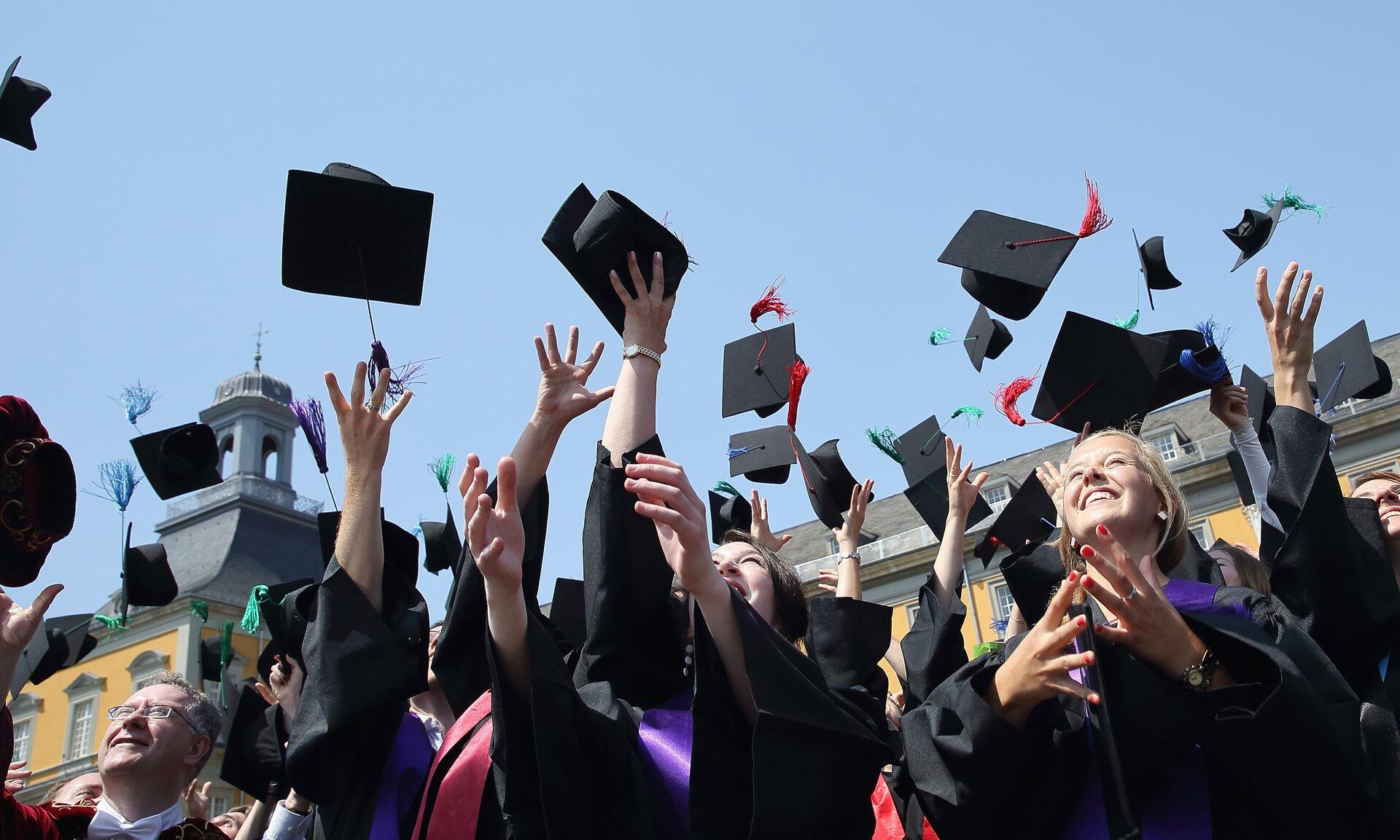 personalizzate scegli l'ultima godere del prezzo di sconto Universitari a caccia della borsa di studio   WSI