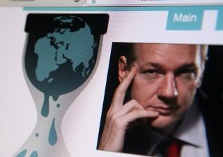 Assange accumula fortuna grazie al Bitcoin. E si prende gioco degli Usa