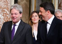 """Governo, Padoan amareggiato: """"Decide Palazzo Chigi due"""" (Boschi)"""