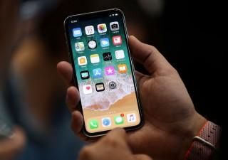 Apple perde colpi, taglia produzione iPhone nel primo trimestre